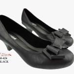 รองเท้าคัทชู ส้นเตี้ย น่ารักแต่งโบว์ หนัง PU พื้นนิ่ม ใส่สบาย ทำให้ดูเท้าเรียว คลาสิคมาก แมทเข้าง่ายกับทุกชุดทุกโอกาส สีดำ น้ำตาล น้ำเงิน ครีม สูง 2 นิ้ว (B8-424)