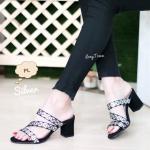 รองเท้าแฟชั่น ส้นสูง แบบสวม ลายตารางสไตล์อิซเซ่สวยเก๋ สายคาดเฉียง ทรงสวย เก็บหน้าเท้า ส้นตัดสูงประมาณ 2.5 นิ้ว ใส่สบาย แมทสวยได้ทุกชุด (MX4022)