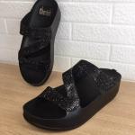 รองเท้าแตะแฟชั่น สวยหรู แบบสวมคาดเฉียงเก็บหน้าเท้า แต่งเพชรสวยวิ้ง พื้นซอฟคอม ฟอตนิ่มสไตล์ฟิตฟลอบ ใส่สบาย แมทสวยได้ทุกชุด (TE399)