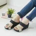 """รองเท้าส้นเตารีด เรียบเก๋ ปรับสายได้ตามขนาดเท้า วัสดุจากผ้าสักหลาด สายคาดด้านหน้าทำจากหนัง PU เงา ดูดีมาก สวมใส่นุ่มสบายเท้า พื้นรอง เท้ากันลื่น สูง 3"""""""