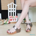 รองเท้าแฟชั่น ส้นเตารีด แบบสวมนิ้วโป้ง แต่งเพชรคลิสตัลสวยเก๋ หนังนิ่ม ส้นสูงประมาณ 2.5 นิ้ว ใส่สบาย แมทสวยได้ทุกชุด (M1856)