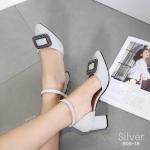 รองเท้าคัทชู ส้นเตี้ย หนังกลิสเตอร์วิ้งแต่งอะไหล่สวยหรูสไตล์แบรนด์ ทรงสวย หนังนิ่ม ใส่สบาย ส้นสูงประมาณ 2.5 นิ้ว แมทสวยได้ทุกชุด (B06-18)