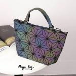 """กระเป๋าแฟชั่น สไตล์ Bao bao ทรง shopping ใส่ของได้จุใจ สีเปลี่ยนสีได้ ทรงยอดฮิต รุ่นนี้ขายดีอย่างต่อเนื่อง งานพรีเมี่ยม Premuim สวยมากๆ น่าใช้มาก ทำได้ 2 ทรง ใบเดียวจบ Size 11 x 10"""""""