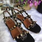 รองเท้าแตะแฟชั่น รัดข้อ แต่งหมุดสวยเก๋สไตล์วาเลนติโน ทรงสวยเท่ห์ ใส่สบาย แมทสวยได้ทุกชุด