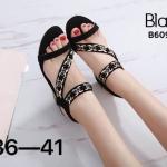 รองเท้าแฟชั่น ส้นเตารีด แบบสวม รัดส้น สายคาดเฉียงแต่งอะไหล่คริสตัลสวยหรู หนังนิ่ม รัดส้นยางยืดนิ่ม ทรงสวย สูงประมาณ 2 นิ้ว ใส่สบาย แมทสวยได้ทุกชุด (B609-5)