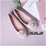 รองเท้าคัทชู ส้นแบน หัวมน บุผ้าลายทวิสแต่งดอกคามิเลียสวยหวานสไตล์ชาแนล หนังนิ่ม พื้นนิ่ม ทรงสวย ใส่สบาย แมทสวยได้ทุกชุด