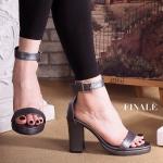 รองเท้าแฟชั่น ส้นสูง แบบสวม รัดข้อ แบบ hot hit ทรงสวย โชว์เท้า หนังนิ่ม อย่างดี รัดข้อตะขอเกี่ยวใส่ง่าย ส้นตัด เดินง่าย ใส่สบาย สูงประมาณ 3 นิ้ว เสริม หน้าเล็กน้อย แมทสวยได้ทุกชุด