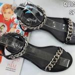 รองเท้าแตะแฟชั่น แบบสวม รัดข้อ แต่งโซ่สวยเก๋สไตล์แบรนด์ หนังนิ่ม งานสวย ใส่สบาย แมทสวยได้ทุกชุด (SP619)