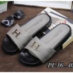 รองเท้าแตะแฟชั่น แบบสวม แต่งอะไหล่ H สไตล์แบรนด์สวยเรียบเก๋ วัสดุอย่างดี พื้นยางนิ่มยืดหยุ่น ทรงสวย หนังนิ่ม ใส่สบาย แมทสวยได้ทุกชุด