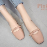 รองเท้าคัทชู ส้นแบน แต่งขอบฉลุลายรอบและโบว์สวยหวานน่ารัก ทรงสวย หนังนิ่มมาก ใส่สบาย แมทสวยได้ทุกชุด (893-8)
