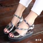 รองเท้าแฟชั่น ส้นเตารีดลำลอง สุดชิค งานนำเข้าสไตล์เกาหลี หนังแก้วนิ่ม แต่ง สายคาดหน้า สายรัดข้อปรับระดับได้ สูง 3.5 นิ้ว พื้นนิ่ม น้ำหนักเบา ดูแลรักษาง่าย แมทชุดไหนก็เก๋ สี ดำ เทา