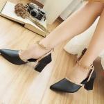 รองเท้าคัทชู ส้นสูง รัดข้อ แต่งหมุดขอบและสายรัดข้อสไตล์วาเลนติโน ทรงสวย หนังนิ่ม สูงประมาณ 3 นิ้ว ใส่สบาย แมทสวยได้ทุกชุด