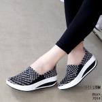 รองเท้าเพื่อสุขภาพ ยางสาน สีทูโทนสวยเก๋ ใส่นิ่มสบายกระชับเท้า ทรงเก็บหน้าเท้า ยางคุณภาพยืดหยุ่นอย่างดี น้ำหนักเบา พื้นนิ่ม เสริมเสมอ ใส่สบาย ไม่เมื่อย ใส่เที่ยวใส่ทำงานได้ เสริมพื้นหนาสูง 2 นิ้ว แมทสวยได้ทุกชุด (7014)