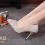 รองเท้าคัทชู ส้นสูง บุผ้าลายทางแต่งเส้นเงินสวยหรู ทรงสวยเพรียว สูงประมาณ 4 นิ้ว ใส่สบาย แมทสวยได้ทุกชุด (688-52)