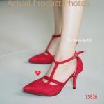 รองเท้าคัทชู ส้นสูง T-Shape Heel Style แนวเกาหลี หนัง Volvet กำมะหยี่ อ่อนนุ่ม ดีไซน์ซ่อนความเก๋แบบเฉียงบนหน้าเท้า งานส้นสูง 3.5 นิ้ว สวมแล้ว สาวๆ จะได้ทั้งขาเพรียวเรียวสวย และสีที่ช่วยขับผิวให้ผ่องออร่าขึ้นมากๆ สีดำ แดง (15826)