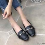 รองเท้าคัทชู ส้นแบน แต่งอะไหล่ด้านหน้าสไตล์แบรนด์สวยเรียบหรู หนังนิ่ม ทรงสวย ใส่สบาย แมทสวยได้ทุกชุด (K5062)