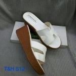 รองเท้าแฟชั่น ส้นเตารีด แบบสวม คาดหน้า H สไตล์แบรนด์สวยเก๋มีสไตล์ พื้นนิ่ม ส้น เตารีดประมาณ 2 นิ้ว เสริมหน้า ใส่สบาย แมทสวยได้ทุกชุด