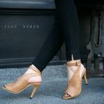 รองเท้าแฟชั่น ส้นสูง รัดข้อ ดีไซน์หุ้มหน้าเท้า เปิดนิ้ว สวยเรียบเก๋ หนังนิ่ม ส้นสูงประมาณ 3.5 นิ้ว ใส่สบาย แมทสวยได้ทุกชุด