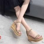 รองเท้าแฟชั่น ส้นเตารีด แบบสวม รัดส้น แต่งอะไหล่สวยเก๋ ส้นลายไม้ ทรงสวย ส้นสูงประมาณ 4 นิ้ว ใส่สบาย แมทสวยได้ทุกชุด (KP995)