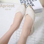 รองเท้าคัทชู ส้นแบน สวยหรู ลายลูกไม้สวยรอบตัว เพิ่มความหรูด้วยแต่งหัวรองเท้าอะไหล่ ทอง ทรงหัวแหลมดูเท้าเรียว ใส่สบาย แมทสวยดูดีได้ทุกชุด (103-57)