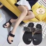 รองเท้าแตะแฟชั่น แบบสวมนิ้วโป้ง สวยหรู แต่งคลิสตัลและเพชร วัสดุอย่างดี งานนำเข้า ใส่สบาย แมทสวยได้ทุกชุด (PL-816)