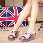 รองเท้าแฟชั่น ส้นเตารีด แบบสวม สวยหรู หนังเงาเมทัลลิคแต่งส้นกลิสเตอร์วิ้ง ใส่ สบาย แมทสวยได้ทุกชุด (M1703)
