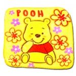 ผ้าเช็ดหน้า สีเหลือง ลาย Pooh กับดอกไม้