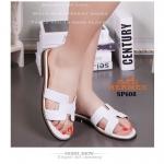 รองเท้าแตะแฟชั่น สไตล์ HERMES logo sandals รุ่นขายดี มากี่รอบก็ไม่พอ หนังอัดเม็ดลิ้นจี่ นิ่มน้ำหนักเบา match กับชุดได้หลากหลายสไตล์ สวมใส่ สบาย สไตล์ชิลๆ สีขาว (SP608)