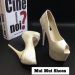 รองเท้าคัทชูส้นสูง หนังวาวๆ วิ้งๆ ลายคล้ายผ้าไหม สวยหรูมาก เสริมหน้า 2.5 นิ้ว ส้นเข็ม 6.5 นิ้ว งานสวย ไฮโซสุดๆ
