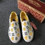 รองเท้าผ้าใบแฟชั่น ทรง slip on ลาย chiks สุดเก๋สไตล์ VANs วัสดุอย่างดี ท็อปพรีเมี่ยม ใส่สบาย แมทสวยได้ทุกชุด