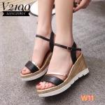 รองเท้าแฟชั่น ส้นเตารีด รัดส้น แบบสวมสวยเก๋ แต่งส้นลายไม้น่ารัก ส้นสูงประมาณ 4 นิ้ว เสริมหน้า ใส่สบาย แมทเก๋ได้ทุกชุด (V2100)
