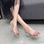 รองเท้าแฟชั่น แบบสวม คาดหน้าพลาสติกใสนิ่ม 2 แถบกระชับเท้า ส้นใสสวยอินเทรนด์ ทรงสวย ส้นสูงประมาณ 2.5 ใส่สบาย แมทสวยได้ทุกชุด (KP991)