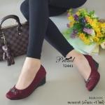 รองเท้าคัทชู ส้นเตารีด สวยหรู ที่สุดของความนิ่มและใส่สบาย วัสดุผ้าเนื้อหนา เกรดดี ดีเทลด้านหน้าแต่งอะไหล่สีรมควัน ตัวรองเท้าเล่นลายลอนแบบเดินด้าย ฝีจักรเนี๊ยบ ด้านในบุนวม นุ่มมาก ทรงเก็บหน้าเท้า สวย เรียบ หรู ดูแพง สูง 2 นิ้ว สี Black Khaki Maroon (T2441)
