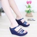รองเท้าแฟชั่น ส้นเตารีด สวยหรู แต่งคาดเส้นสีเมทัลลิคสวยดูดี ทรงสวยเก็บหน้าเท้า ใส่ ง่าย ส้นตัดสูงประมาณ 3 นิ้ว เสริมหน้า ใส่สบาย แมทได้ทุกชุด (M1737)