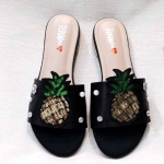 รองเท้าแตะแฟชั่น แบบสวม แต่งกลิสเตอร์ลายสัปปะรดและคลิสตัลมุกสุดเก๋ ทรงสวย ใส่สบาย แมทสวยได้ทุกชุด (BB04)