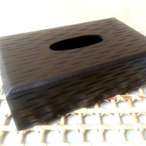 กล่องทิชชูไม้ สีดำ สลักลาย