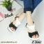"""รองเท้าส้นเตารีด รัดส้น สไตล์ Slingbacks พื้นเสริมฟองน้ำหุ้ม PU เล่นสี two tone ติดอะไหล่ดอกไม้ล้อมเพชรตรงกลางสวยหรู ใส่ยาง elastic ที่ ด้านหน้าและส้นสวมใส่ง่าย งานดี งานสวย ใส่แล้วเท้าเรียว สูง 3"""" thumbnail 1"""
