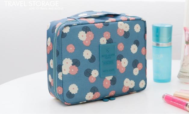 กระเป๋าเครื่องสำอาง/อุปกรณ์อาบน้ำ Travel storage ลายดอกฟ้า
