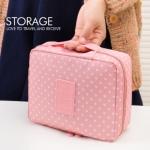 กระเป๋าเครื่องสำอาง/อุปกรณ์อาบน้ำ Travel storage สีชมพูลายจุด