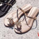 รองเท้าแตะแฟชั่น แบบสวมนิ้วโป้ง แต่งอะไหล่ผึ้งเพชรสไตล์กุชชี่สวยหรู หนังนิ่ม ใส่สบาย แมทสวยได้ทุกชุด (TT01)