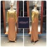 ชุดราตรีวินเทจ maxi dress สีทอง ลูกไม้ ปาดไหล่ มีแขน ทรงเข้ารูป หางปลา สไตล์ วินเทจ แกสบี้ ย้อนยุค มากๆค่ะ