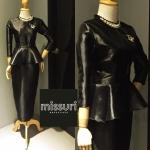 ชุดราตรียาว ชุดmaxi dress ผ้าไหมเทียม สีดำเงา คอกลม แขนยาว เอวระบาย ทรงสอบผ่าหลัง